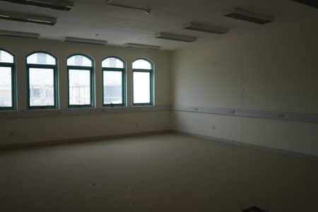 مبنی تجاري  للايجار في الطوار، دبي - Best Location for Educational