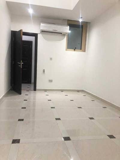استوديو  للايجار في الكرامة، أبوظبي - شقة في الكرامة 20000 درهم - 5223778