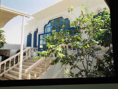 فیلا 4 غرف نوم للبيع في الرماقية، الشارقة - فیلا في الرماقية 4 غرف 1300000 درهم - 5210497