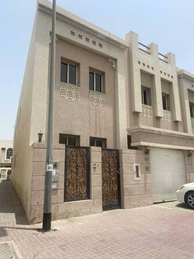 فیلا 4 غرف نوم للايجار في ديرة، دبي - فیلا في أبو هيل ديرة 4 غرف 65000 درهم - 5210418