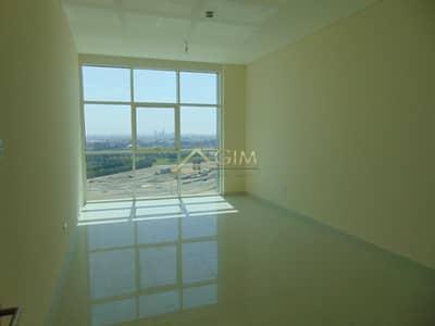 فلیٹ 1 غرفة نوم للبيع في الخليج التجاري، دبي - Closed Kitchen With Pool View in Park Central Tower
