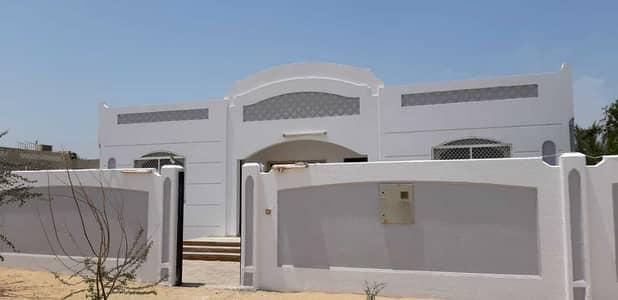 3 Bedroom Villa for Rent in Al Homah, Sharjah - 3 Bedrooms plus Service Block Villa in Al Homa Sharjah,