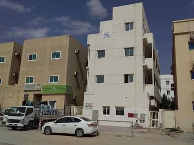 سكن عمال  للايجار في الورسان، دبي - G+2 New Building  with 27 Rooms Labour Camp for rent for staff accommodation in Al Warsan Third