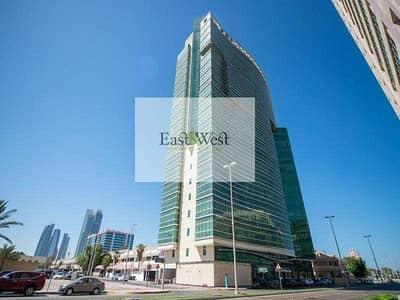 مکتب  للايجار في شارع الكورنيش، أبوظبي - Business Community with sea view