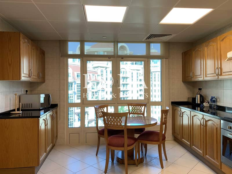 25 Maid's room|Onsite Parking| Free Wi-Fi