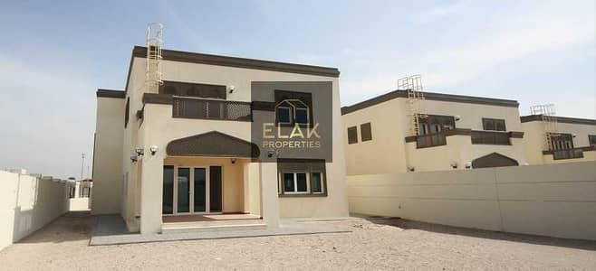3 Bedroom Townhouse for Rent in Dubai Waterfront, Dubai - 3 BEDROOM  WITH RETAIL l OPTIONS  COMMISION  FREE