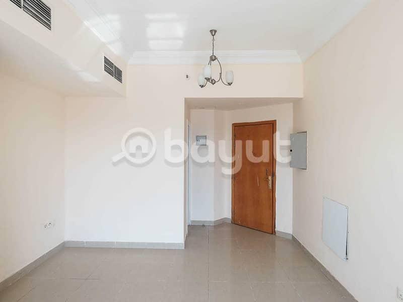 شقة في بناية علي عمران النهدة 2 غرف 30000 درهم - 4191461