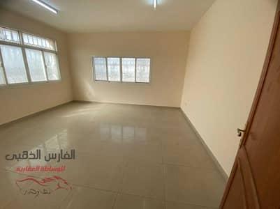 استوديو  للايجار في الكرامة، أبوظبي - Amazing studio in Karama Street