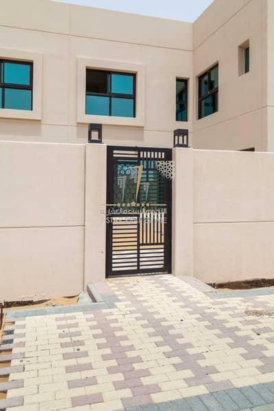 فیلا 4 غرف نوم للبيع في الرحمانية، الشارقة - Owns a Villa 4 Bedrooms for 5 years without service fees in Al-Rahmaniyah at a good price