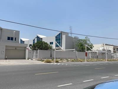 4 Bedroom Villa for Rent in Dubai Media City, Dubai - Fantastic 4 BR Villa with en-suit Bath