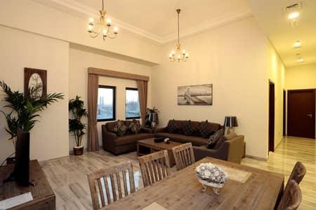فلیٹ 2 غرفة نوم للايجار في الجداف، دبي - Living Room