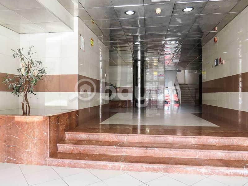 شقة في شارع الوحدة 2 غرف 25000 درهم - 5004088