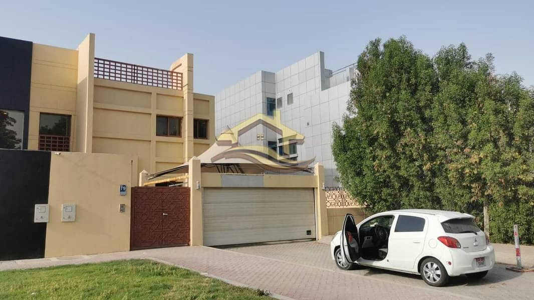 Huge commercial villa on AL KHALEEJ AL ARABI ST
