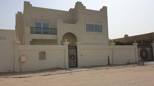 فیلا 5 غرف نوم للايجار في ضاحية حلوان، الشارقة - فيلا جديدة بمواصفات فريدة في الشارقة منطقة سمنان للإيجار أول ساكن