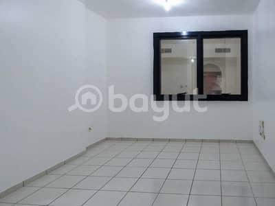 فلیٹ 1 غرفة نوم للايجار في شارع النجدة، أبوظبي - For Rent 1 spacious bedroom flat whit balcony near citi bank in Najda street