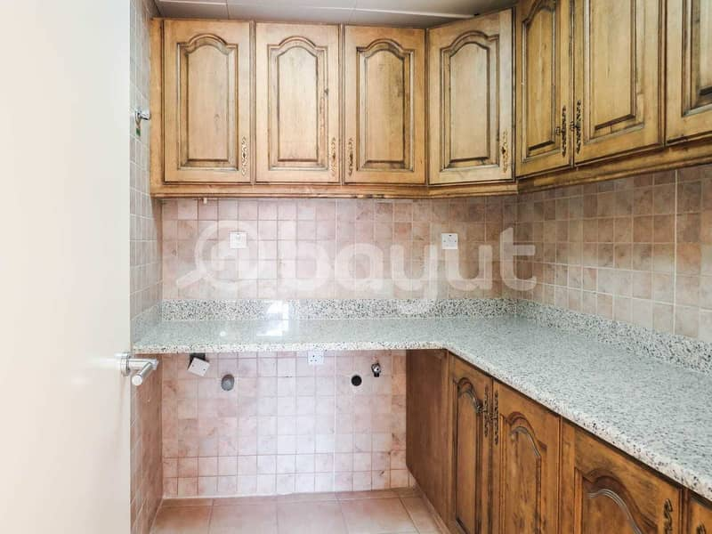42 Direct From the Owner -NO COMMISION! Spacious Six Bedrooms Villa  - Exclusive deals for government staff !