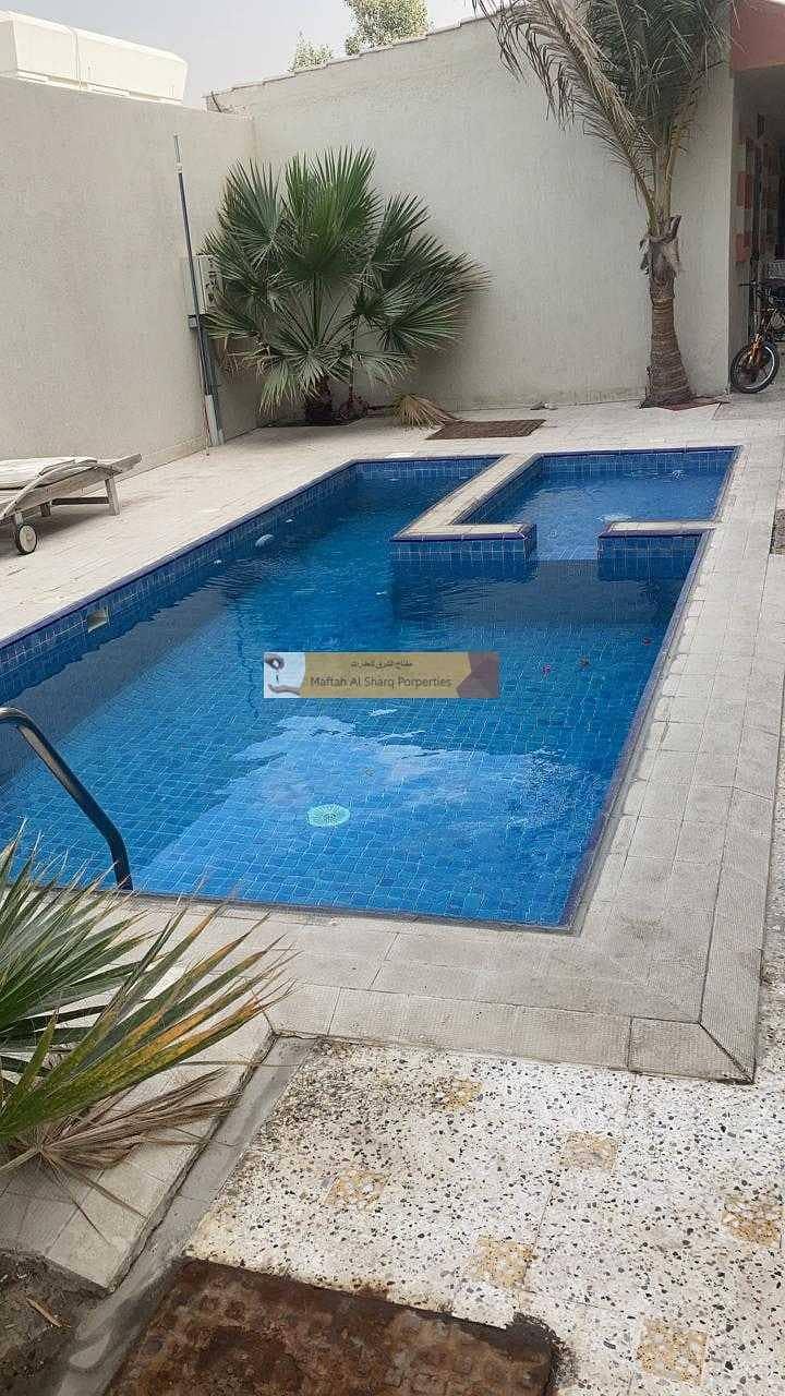 15 Compound villa / Separate Maids room / Private garden