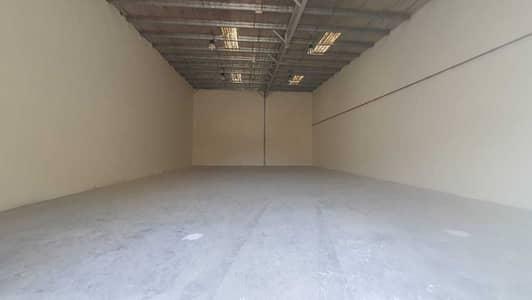 مستودع  للايجار في مويلح، الشارقة - مستودع في مويلح 70000 درهم - 5089700