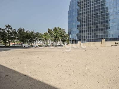 ارض استخدام متعدد  للبيع في بر دبي، دبي - ارض استخدام متعدد في المنخول بر دبي 40000000 درهم - 4398874