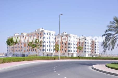 مبنى سكني  للايجار في المدينة الأكاديمية، دبي - Outside Building View