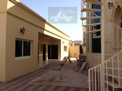 5 Bedroom Villa for Rent in Al Warqaa, Dubai - 5 + 1 B/R with huge Majlis with dinning rooms CENTRAL A/C villa tolet
