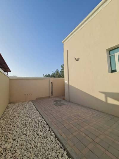 2 Bedroom Villa for Rent in Shakhbout City (Khalifa City B), Abu Dhabi - NEAT AND CLEAN 2BHK MOLHAQ WITH BACK YARD AND THUSEEQ