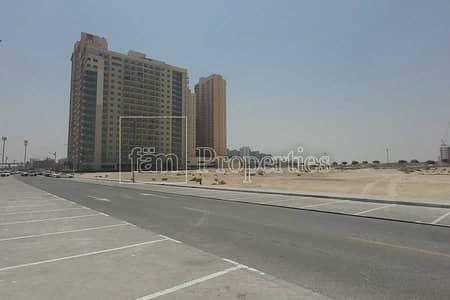 ارض سكنية  للبيع في مدينة دبي للإنتاج، دبي - Huge plot / Residential / Close to the Mall