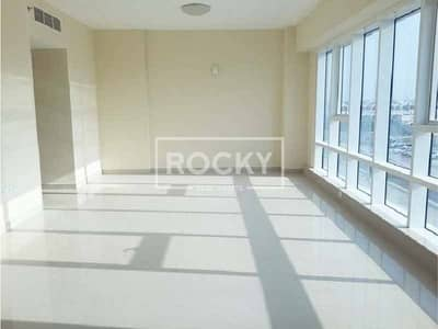 4 Bedroom in Al Barsha with Laundry Room