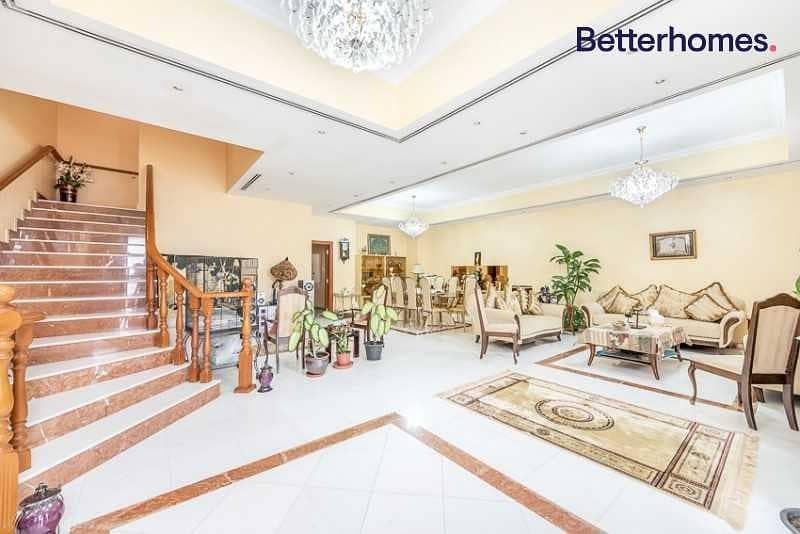 Compound of 4 villas /Big return /Great location