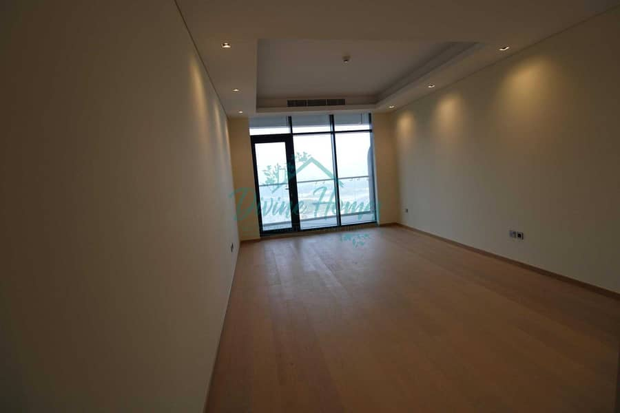 Brand New Unit   Close to  Dubai Mall   Reserved parking