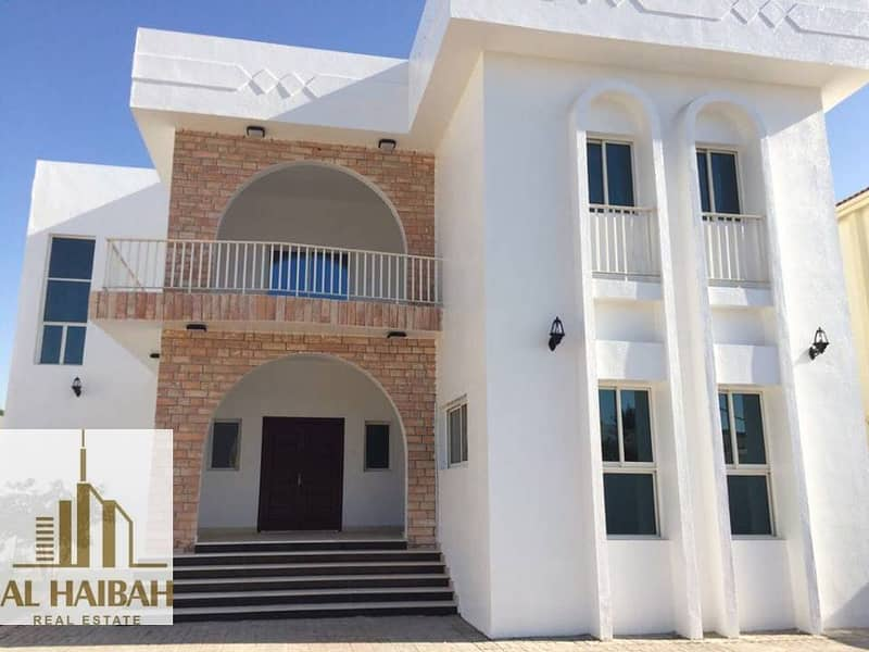 2 For sale a two storey villa with electricity and water in Falaj