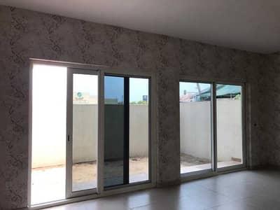 فیلا 3 غرف نوم للايجار في المدينة العالمية، دبي - فیلا في قرية ورسان المدينة العالمية 3 غرف 84999 درهم - 4847519