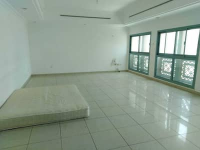 4 Bedroom Apartment for Rent in Defence Street, Abu Dhabi - HALL