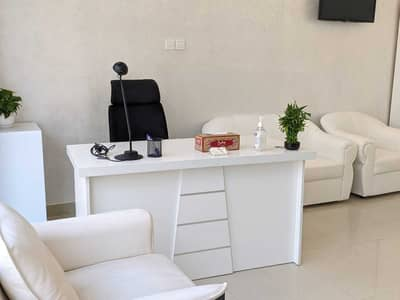 Office for Rent in Deira, Dubai - Fully furnished business center office with Ejari 900 direct from owner no commission