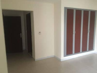 Huge - Chiller Free/2BHK/One Month Free/All Facilities