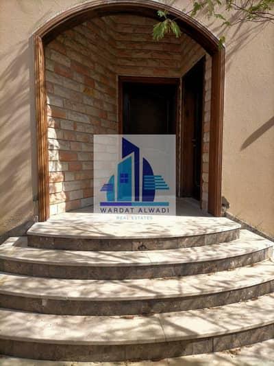 فیلا 4 غرف نوم للايجار في ديرة، دبي - Beautiful 4BHK  Villa | AL Muteena | Deira