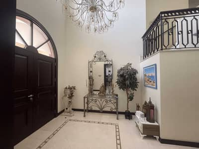 فیلا 5 غرف نوم للايجار في نخلة جميرا، دبي - Fully Furnished   Private Pool   High Number