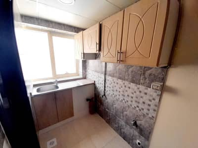استوديو  للايجار في مويلح، الشارقة - Same like brand new very nice Luxury and well finishing Studio flat with Separate kitchen in muwaileh