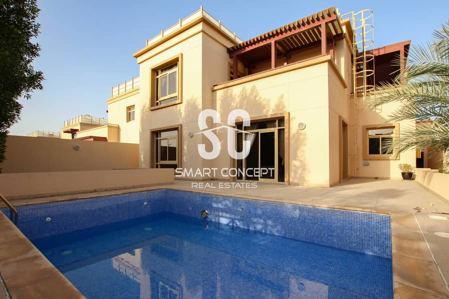 Huge Villa with Private Swimming Pool and Garden