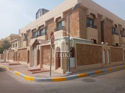 فيلا تجارية 18 غرف نوم للايجار في الكرامة، أبوظبي - Making a business in UAE is a profitable decision   call us now to know more!