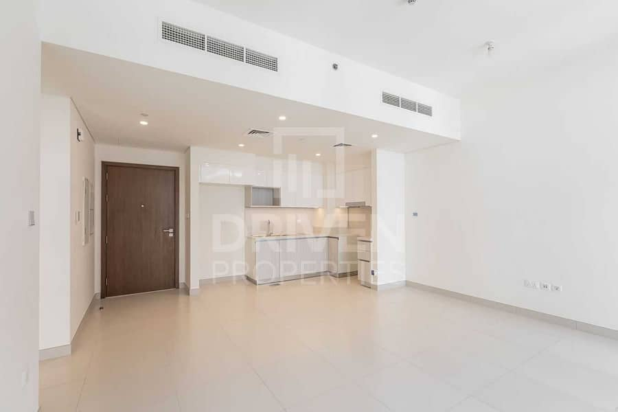 2 Ready to move in | Bright Apt | Pool View