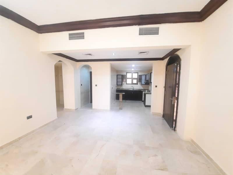 شقة في المنطقة 5 مدينة محمد بن زايد 2 غرف 55000 درهم - 5209264