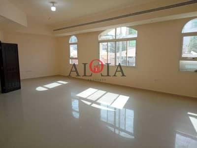 فلیٹ 5 غرف نوم للايجار في المرور، أبوظبي - A huge 5 bedroom apartment   muroor road   very spacious  