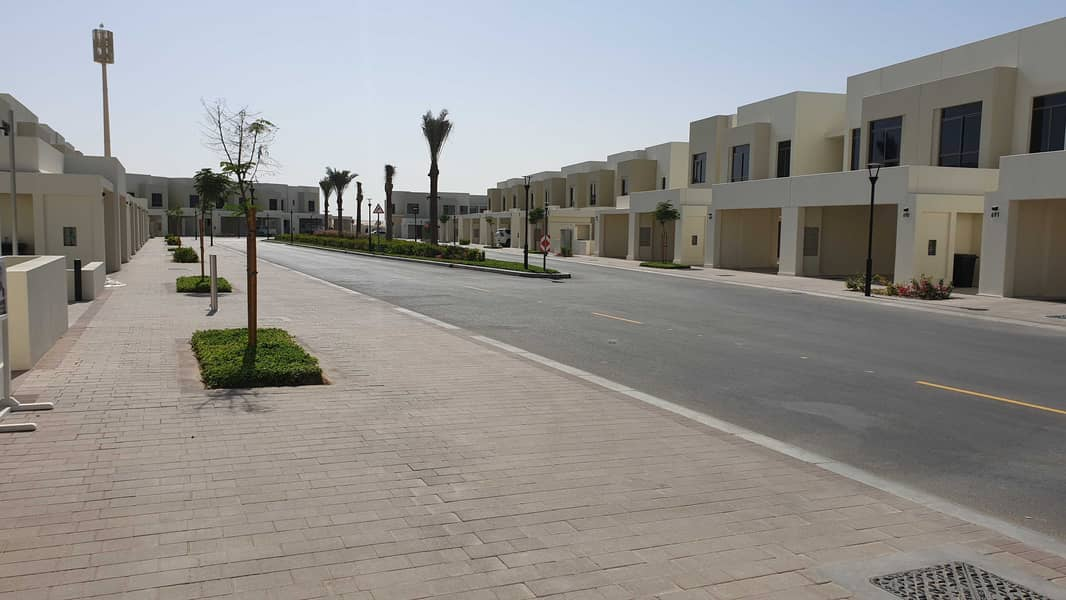 Green Belt/Back to Back /Single Row Brand New- Taype 2 / 3 Bedroom+Maid Room Town House