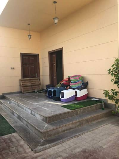 3 Bedroom Townhouse for Rent in Al Shamkha, Abu Dhabi - Private Entrance Spacious 3 Bedrooms With Hall Private Yard in AL Shamkha City