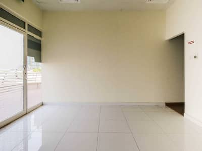 محل تجاري  للايجار في أبراج بحيرات الجميرا، دبي - Perfect Place | 0% Commission | 1 Month Free