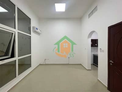 1 Bedroom Flat for Rent in Al Nahyan, Abu Dhabi - Spacious Studio| Free parking inside villa and internet