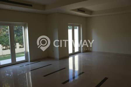 Well Priced Townhouse Type Villa with Private Garden