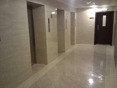 شقة في شارع الاستقلال الخالدية 3 غرف 99000 درهم - 3134343
