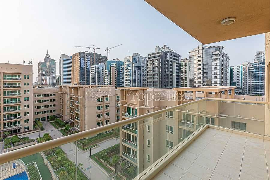 Renovated - Pool and park view - Genuine